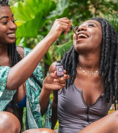 How to Use CBD Oil Tinctures